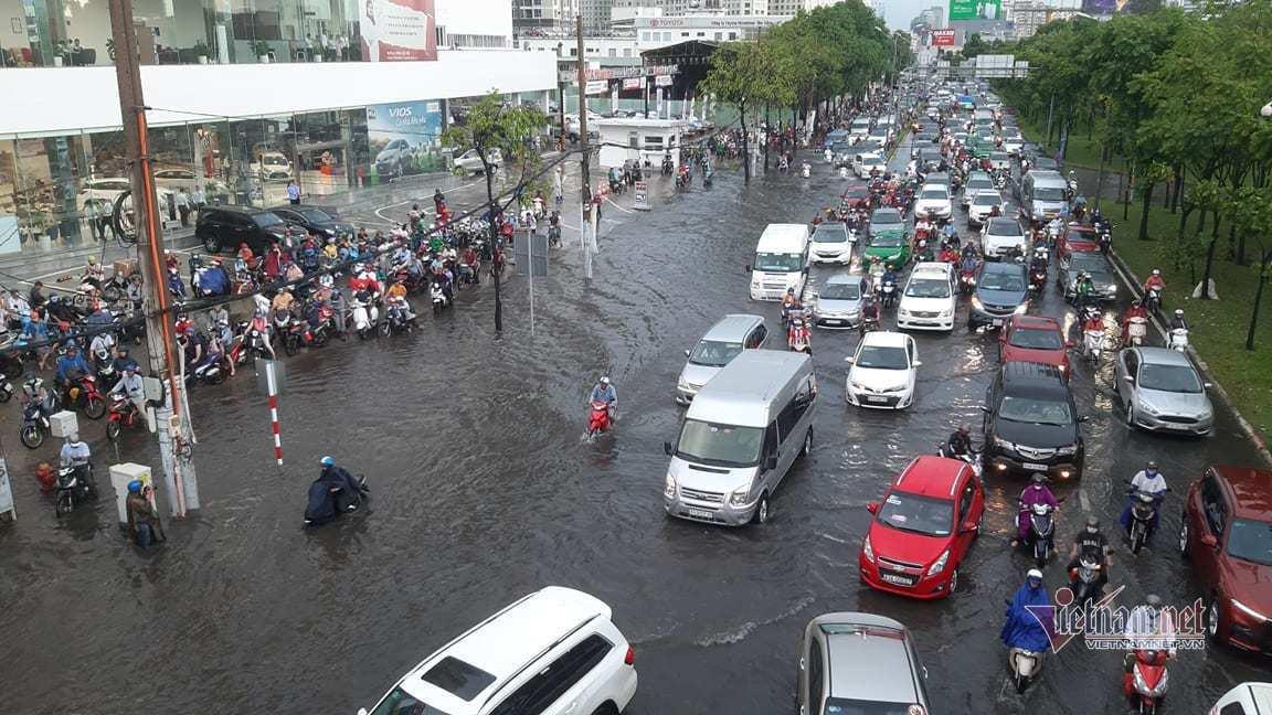 Chống ngập manh mún, Sài Gòn nâng đường, Tokyo làm hầm chứa khổng lồ