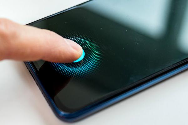 iPhone 12 sẽ có cảm biến vân tay dưới màn hình, tăng cường cho Apple Card