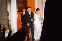Xúc động khoảnh khắc cô dâu Viên Minh mặc váy cưới, khoác tay cha trước khi hẹn ước trăm năm cùng Công Phượng