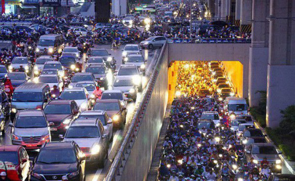 Ministry of Transport,removed a provision,mandatesmotorbikes' running lights,during daytime