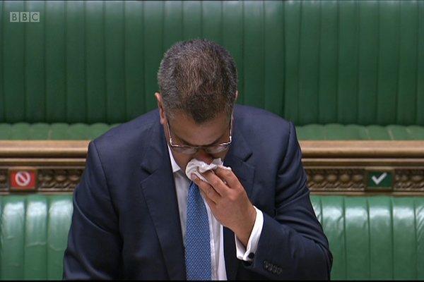 Bộ trưởng Anh vã mồ hôi, khiến nhiều người lo sợ
