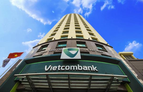 Vietcombank giữ ngôi quán quân về lợi nhuận trong Top 50 công ty niêm yết tốt nhất