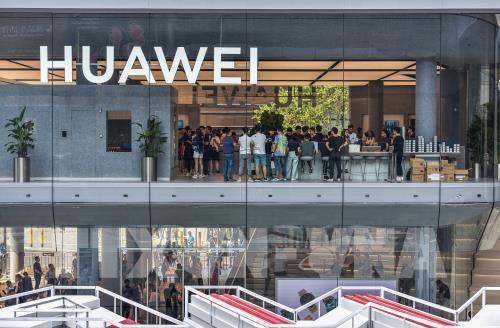 Mỹ cảnh báo Canada nếu Huawei được 'bật đèn xanh' tham gia mạng 5G