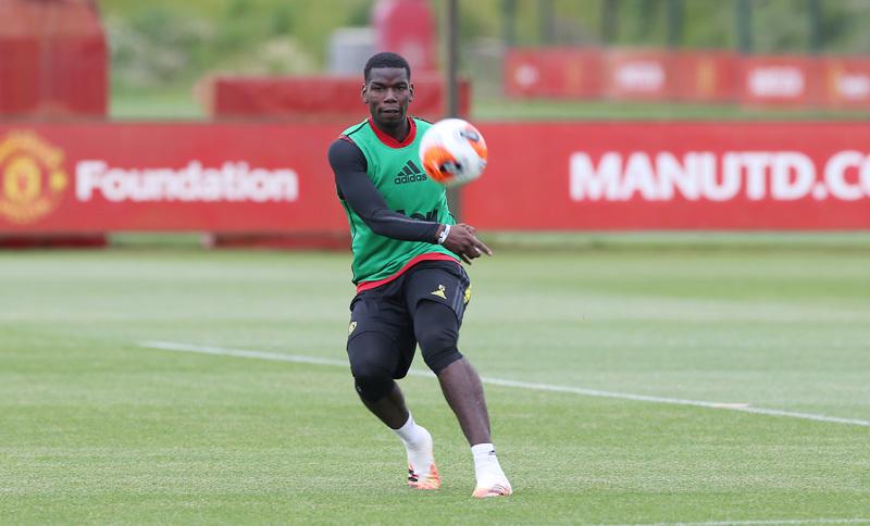 Bruno Fernandes, người thay đổi tương lai Pogba ở MU