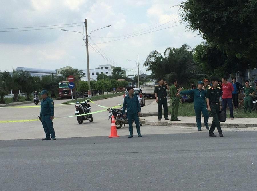 Xe đầu kéo tông xe quân sự giữa ngã tư, một dân quân tử vong