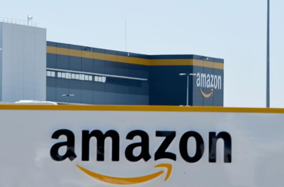 Bí mật bên trong các kho hàng khổng lồ của Amazon
