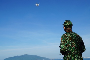 Bay flycam truy tìm phạm nhân vượt ngục lẩn trốn trên đèo Hải Vân