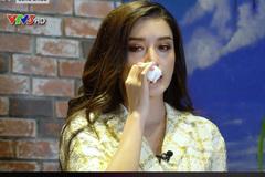 Á hậu Huyền My bật khóc trên sóng truyền hình