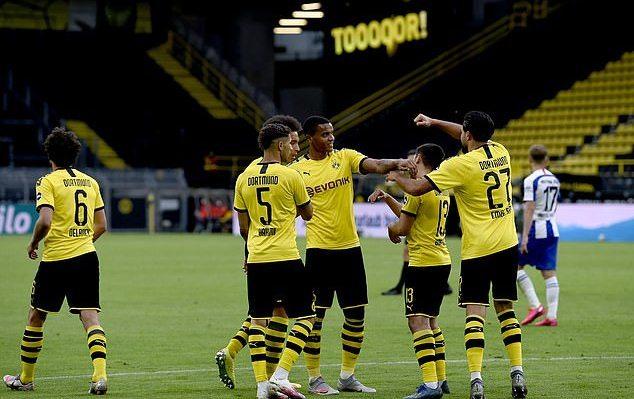 Thắng chật vật Hertha, Dortmund trở lại vị trí thứ 2