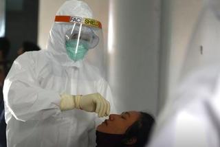 Ca nhiễm mới ở Trung Quốc tăng kỷ lục