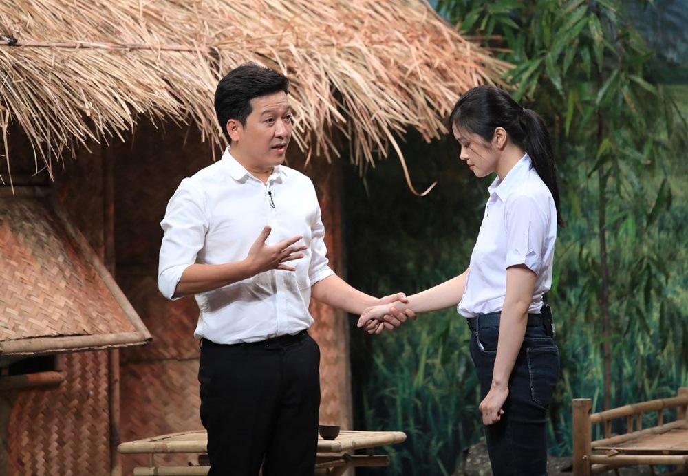 Khánh Vân 'Mắt biếc' khiến Lê Dương Bảo Lâm lúng túng ở 'Ơn giời'