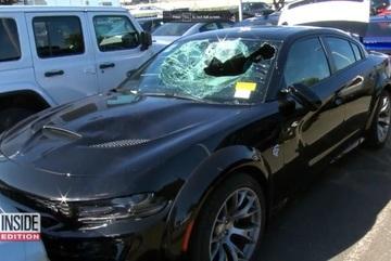 Nhiều đại lí xe ô tô tại Mỹ bị người biểu tình tấn công
