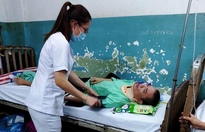 Bạn đọc báo VietNamNet ủng hộ gần 700 triệu cho cô gái có cha mẹ nằm liệt