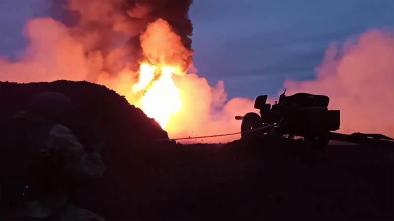 Xem lính Nga bắn diệt thần lửa đang thiêu đốt giếng dầu