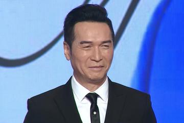 Bí quyết của Nguyễn Hưng dù 65 tuổi vẫn phong độ, trẻ trung