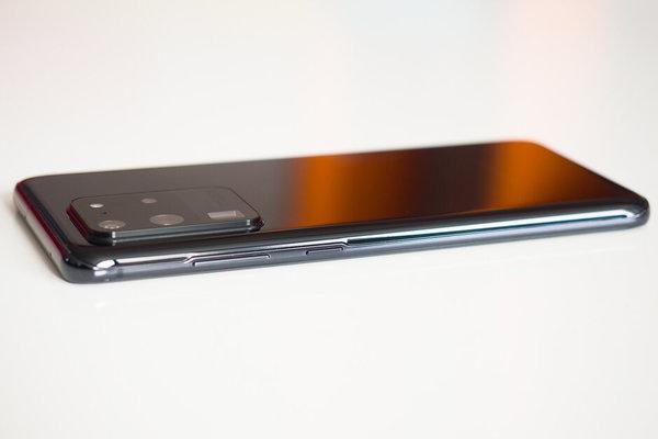 Galaxy S21 Ultra có thể dùng cảm biến 150MP, camera selfie dưới màn hình?