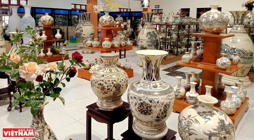 The essence of Chu Dau pottery