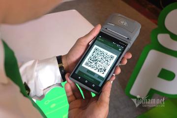 Chuyển đổi số taxi: Tài xế bán vé máy bay, nhận tiền bằng QR Code