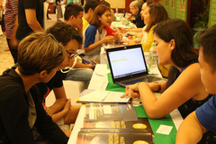 Vietnamese students change study-abroad plans because of Covid-19