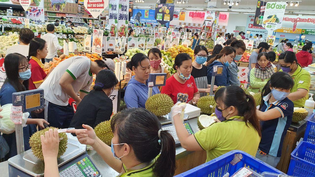 Ma trận hoa quả hạ giá: Đi đâu mua sầu riêng, vải Lục Ngạn giá 19.000 đồng/kg?