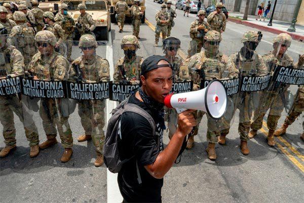 Điều lạ lẫm trong các cuộc biểu tình đang làm náo loạn nước Mỹ