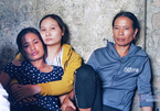 Mẹ khóc ngất gọi con thơ 5 tuổi bị trói tay, bỏ đói đến chết