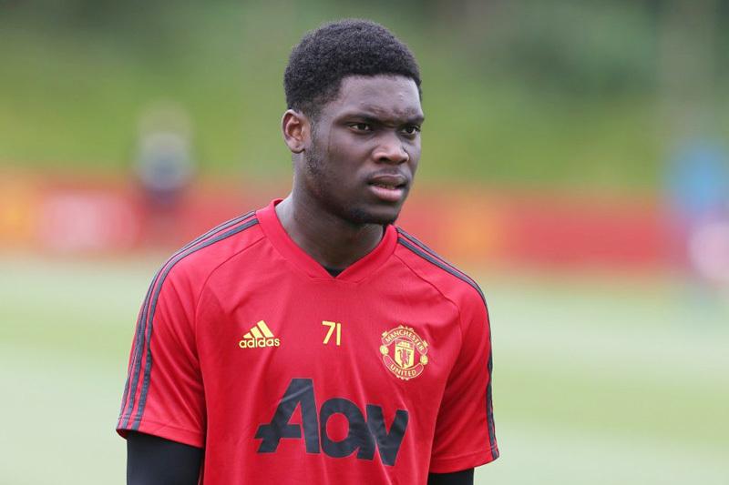 Cầu thủ 18 tuổi sướng rơn vì được 'bốc' lên đội 1 MU