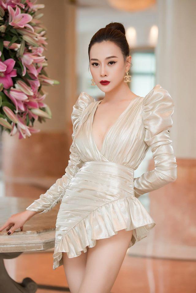 Phương Oanh tạo hình gợi cảm, giảm gần 6kg vì vai con gái đại gia