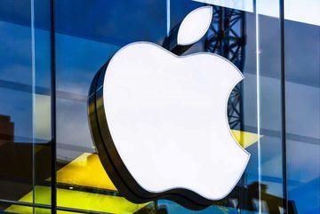 Apple cán mốc 1,5 nghìn tỷ USD, trở thành công ty công nghệ giá trị nhất thế giới