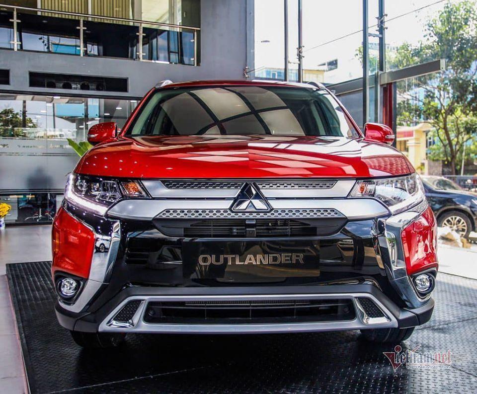 SUV tháng 5: Toyota Fortuner nhường ngôi vương cho Hyundai SantaFe