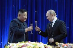 Kim Jong Un bất ngờ gửi thư chúc mừng tới Putin