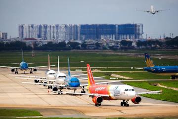 Mở lại các chuyến bay thương mại quốc tế từ tháng 8