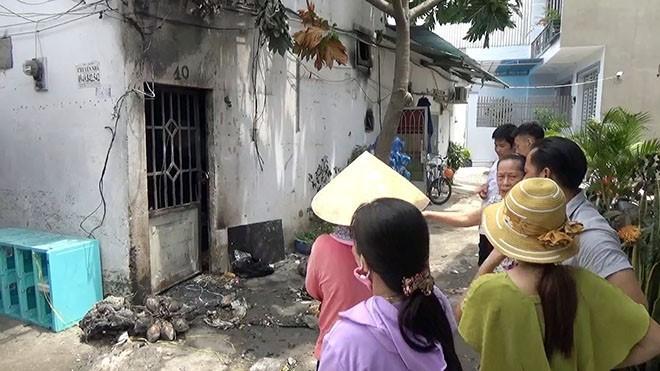 Người đàn ông lén lút rời hiện trường vụ cháy ba người chết ở Sài Gòn