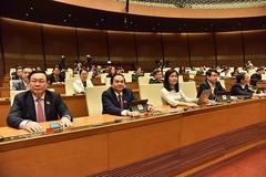 Quốc hội thảo luận nhiều vấn đề quan trọng về kinh tế xã hội
