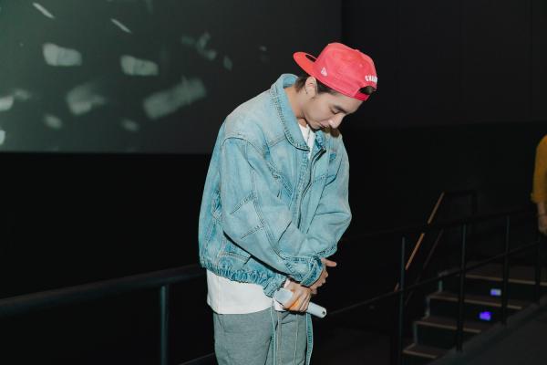 Fan bất ngờ khi Sơn Tùng M-TP xuất hiện ở rạp phim