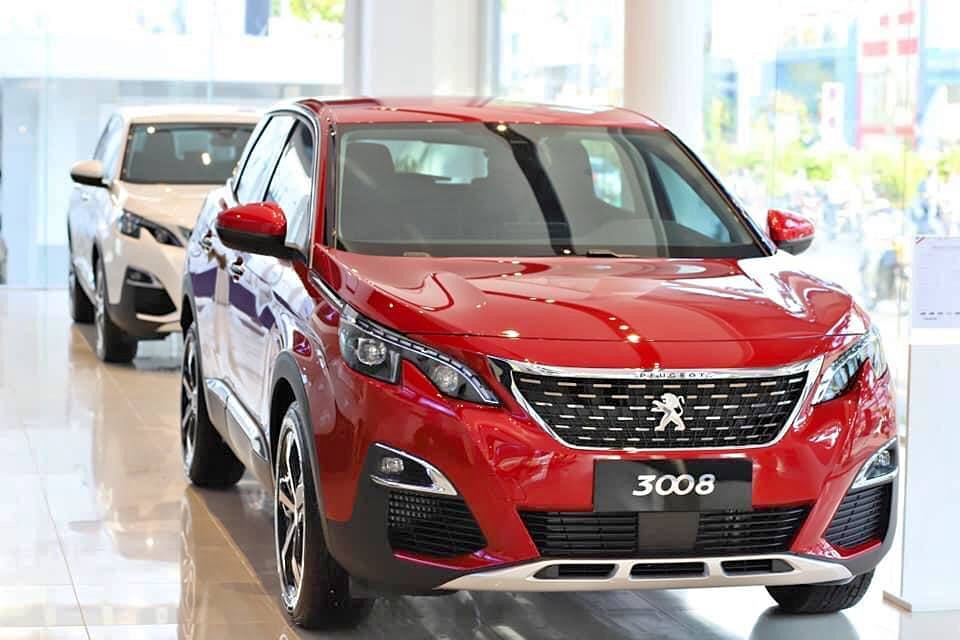 Thêm loạt ô tô giảm giá hơn trăm triệu tuần qua