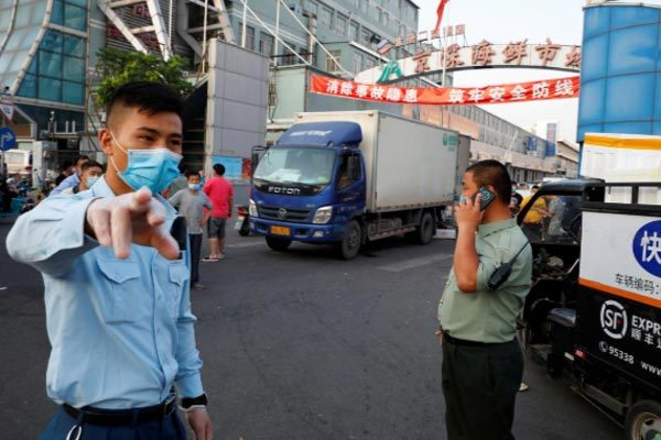 Discovering a series of new Covid-19 cases, Beijing blockaded a district