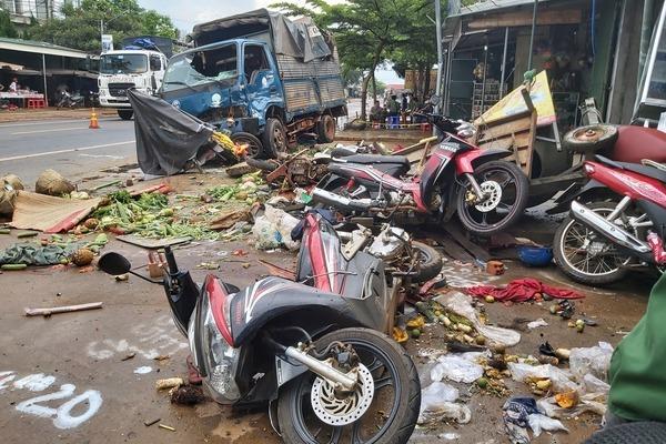 Bắt tạm giam tài xế gây tai nạn 5 người chết ở Đắk Nông
