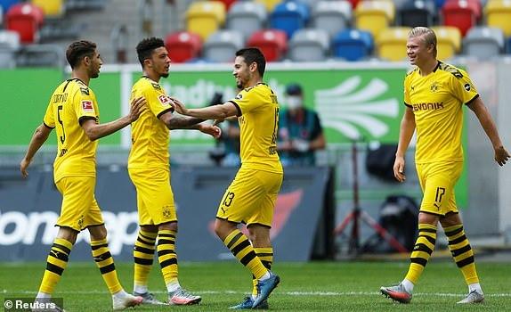 Haaland ghi bàn phút 95, Dortmund bỏ túi 3 điểm