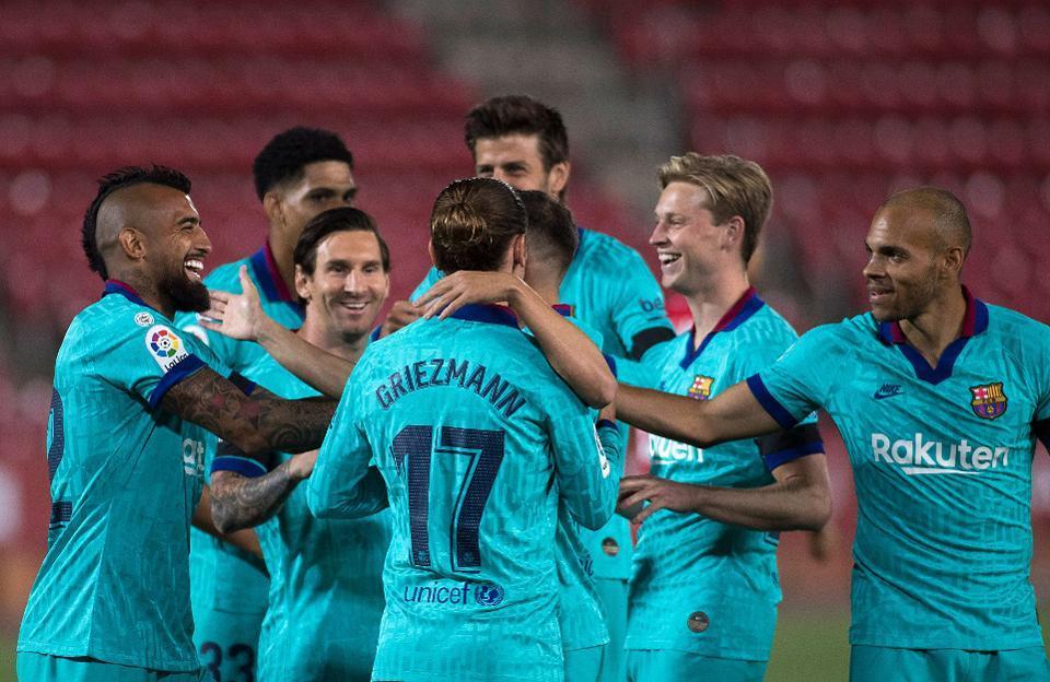 Messi chói sáng, Barca thắng trận '4 sao'