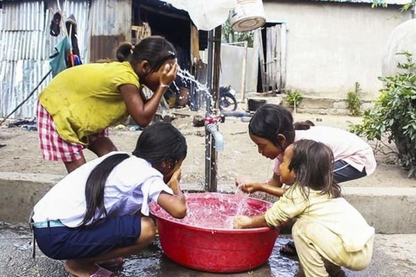 Người dân Ma Nới vui vì có nước sạch