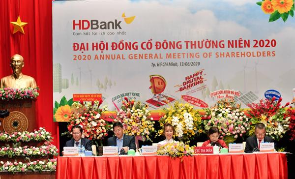 HDBank bắt đầu chia cổ tức và thưởng cổ phiếu tỷ lệ 65%