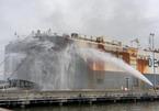 Gần 2.000 chiếc xe cũ bị nung chảy trong đám cháy tàu chở hàng