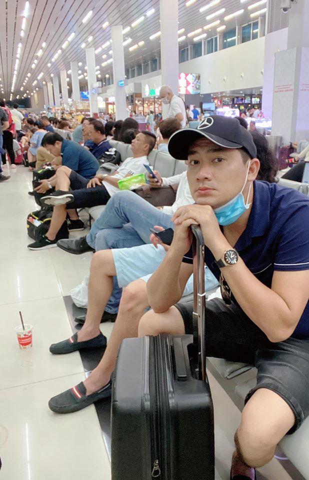 Minh Luân huỷ suất diễn vì mắc kẹt ở sân bay