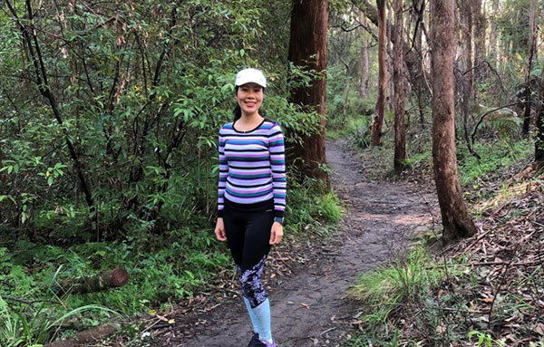 Raise funds for children,Vietnamese woman in Australia,walk,jogger,the Blue Dragon Children's Foundation