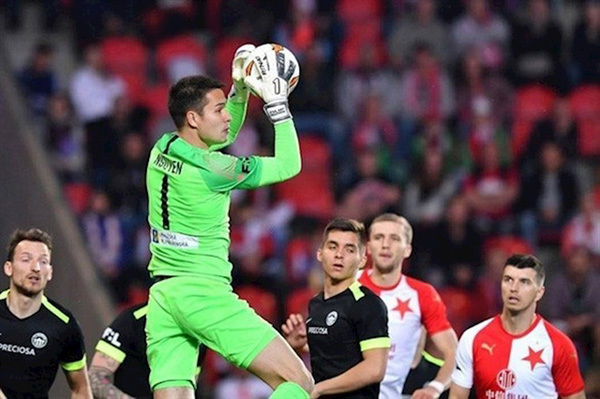 Czech-Vietnamese goalkeeper Filip Nguyen inches closer to spot on VN national football team