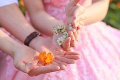 Phụ nữ một lần đò, chịu nhiều tổn thương, có nên tái giá?