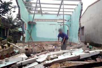 Sập tường ở Thanh Hóa, bé trai tử vong bên mẹ bị thương nặng