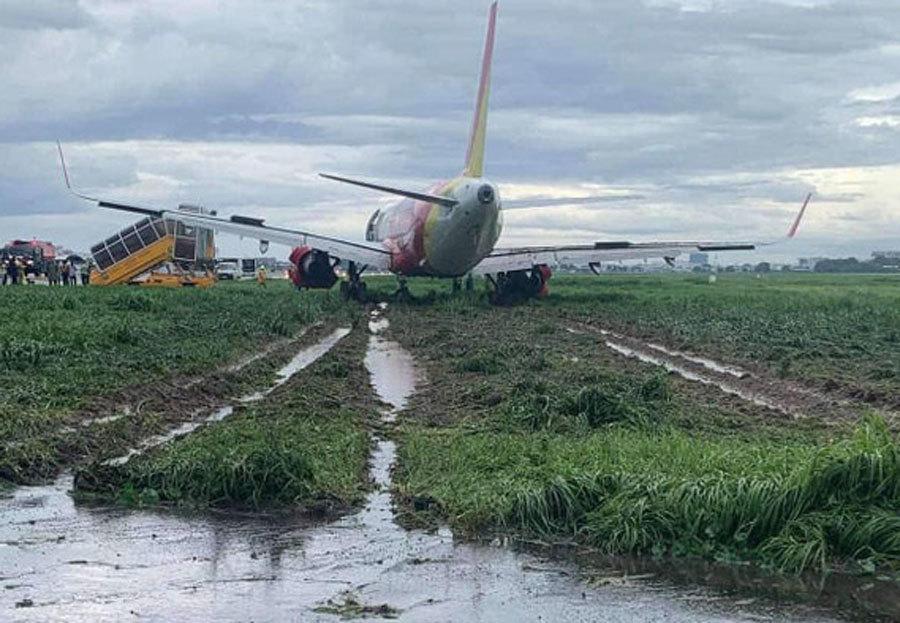 Trước khi trượt khỏi đường băng,  máy bay Vietjet tiếp cận hạ cánh bình thường