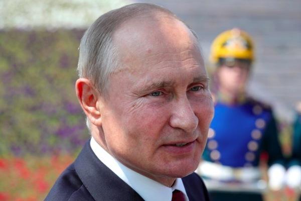 Putin giữ vai trò chính khi Nga chiếm sân bay Kosovo